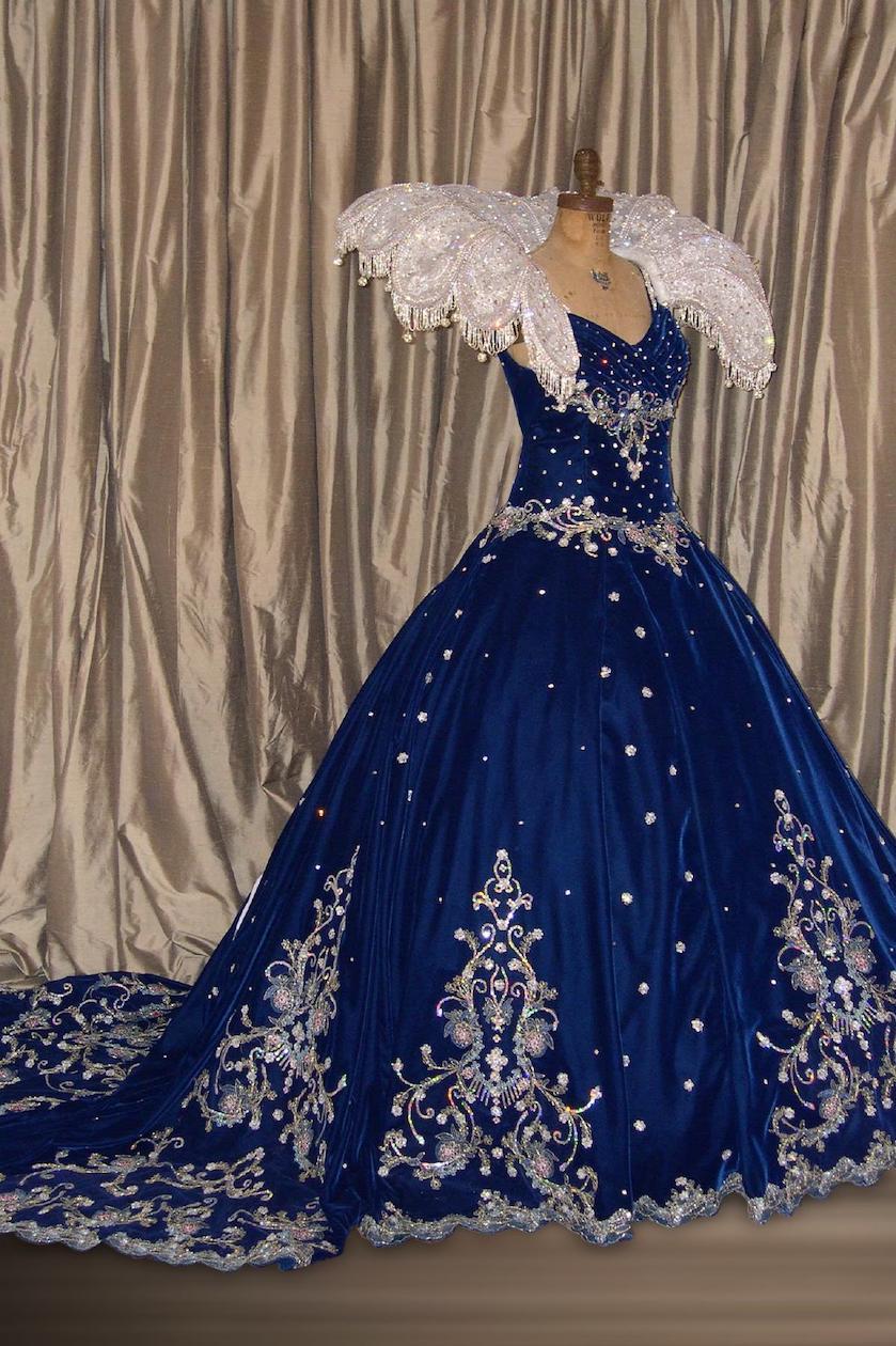 Royalty - Queen gown & collar blue velvet with Georgian motifs