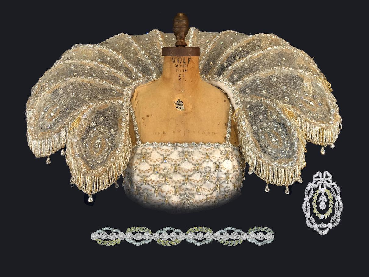 2020 Queen's Collar with embossed patterns